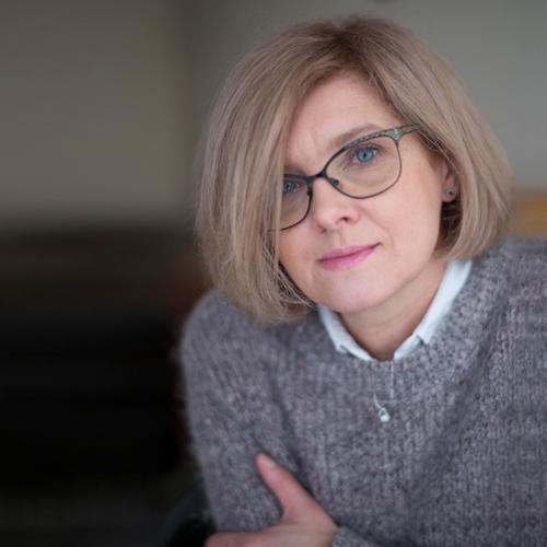 Dr. Anna Budna